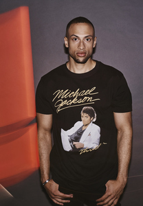 Merchcode MC451 - Michael Jackson Krimi-Album Tee